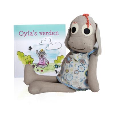Sensory stimulating Oyla with dialogic reading