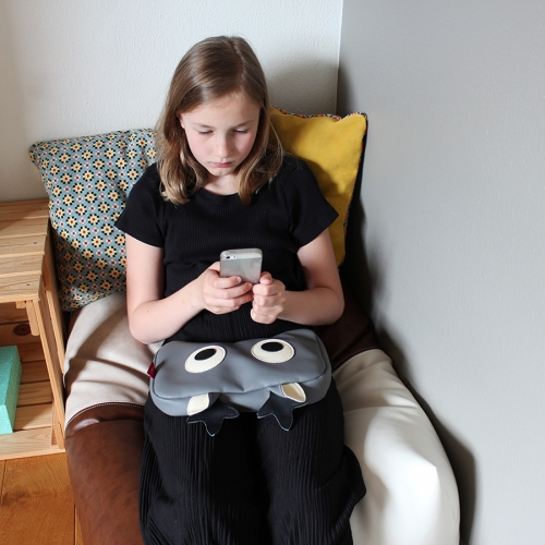 Sensory stimulation knee pillow Sara